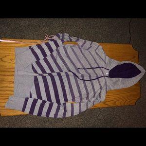 Sweaters - Medium sweatshirt